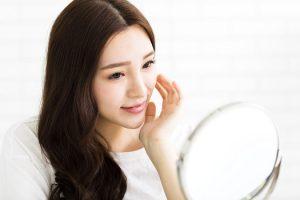 【顔のむくみ】美容皮膚科医が「むくみ取り」を解決!原因と解消法